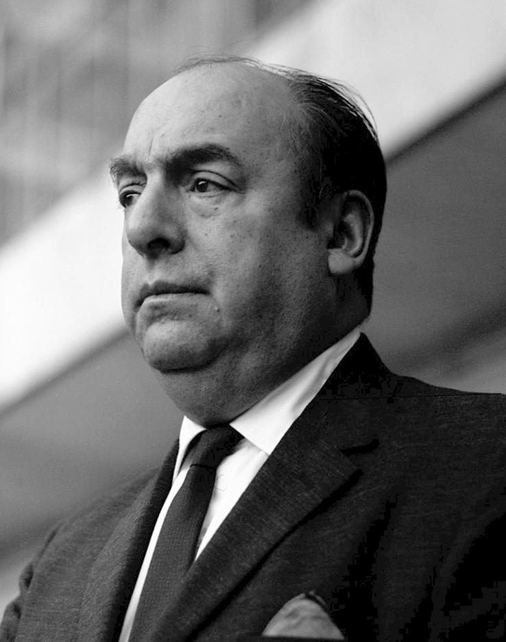 Pablo Neruda y los versos escritos bajo la noche estrellada