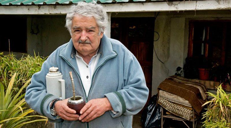 José Mujica quitte le Sénat